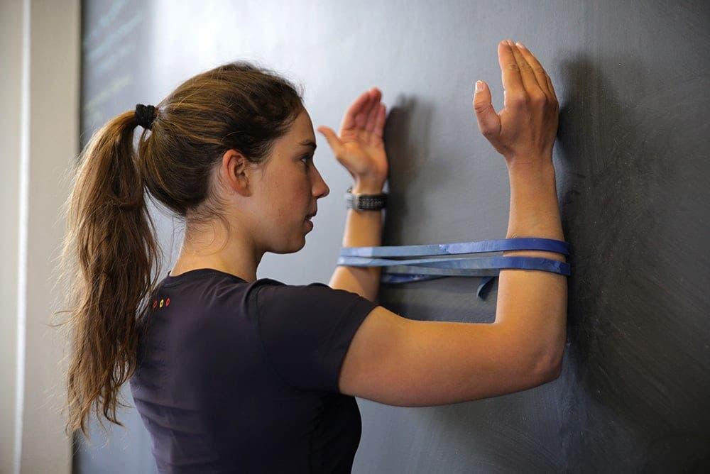 ejercicios para fortalecer hombros