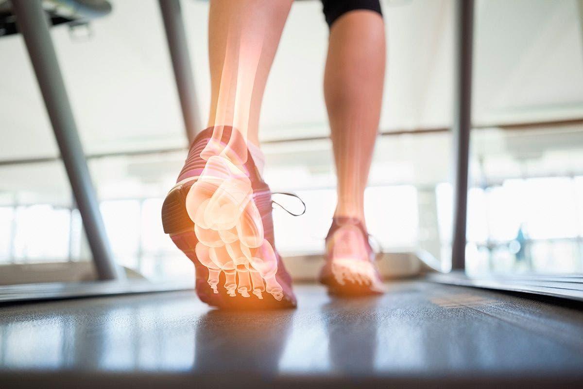¿Cuánto debe durar la inflamación después de la cirugía de tobillo?