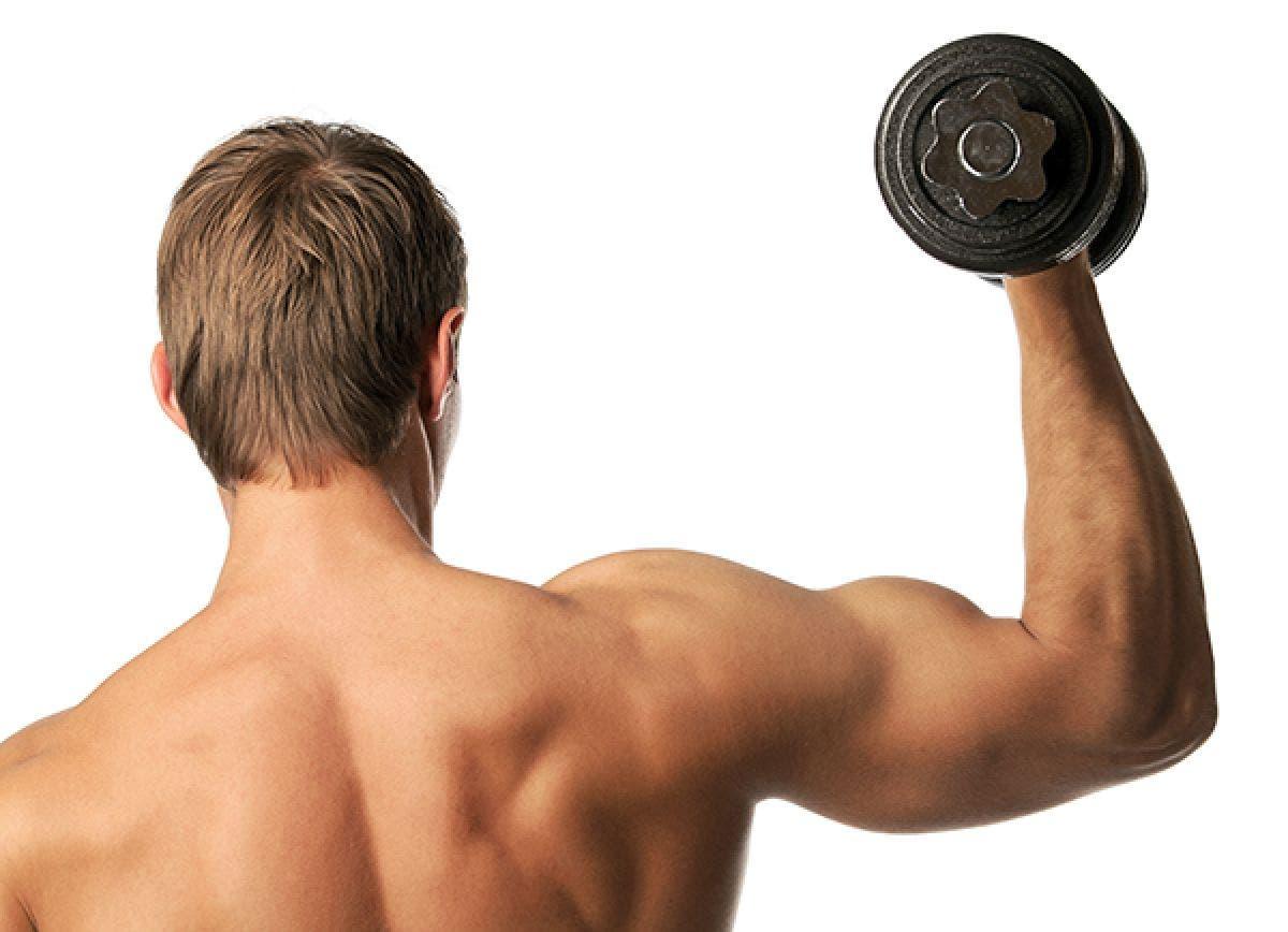 dolor en el hombro por levantar pesas