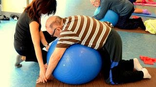 Programa de Fisioterapia Grupal en Adultos Mayores