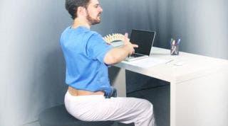Se me carga la espalda en el trabajo... ¿Qué puedo hacer?