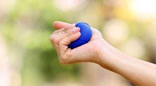 Ejercicios beneficiosos en la artritis reumatoide de mano