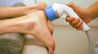 En qué consiste el tratamiento de ondas de choque en fisioterapia