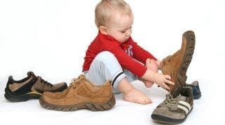 Elegir los zapatos para tu hijo: todo lo que debes hacer para un buen comienzo