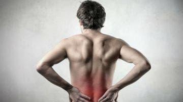 La carga lumbar cambia según la postura