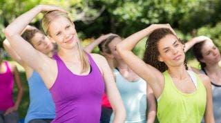 ¿Qué ejercicios puedo hacer para evitar el dolor de cuello?