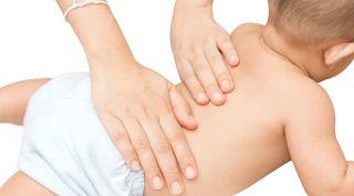 Aprende a realizar un masaje infantil para el cuidado de tu bebé
