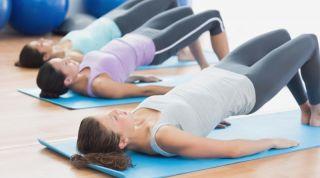 Pilates Mat o Pilates sobre colchonetas. Beneficios y precauciones