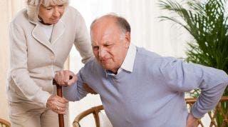 Espondilosis lumbar: qué es, síntomas, causas y tratamiento