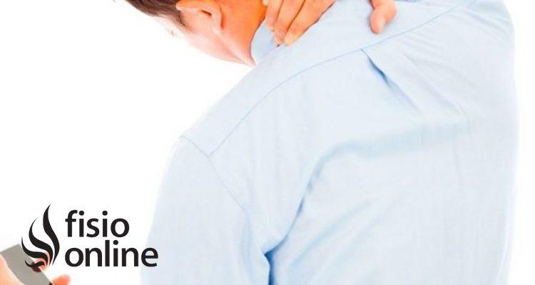 Cómo influye el uso de tablets y móviles en la columna cervical. Consejos posturales y ejercicios.