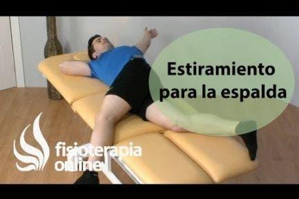 Ejercicio de movilidad para la espalda  báscula pélvica