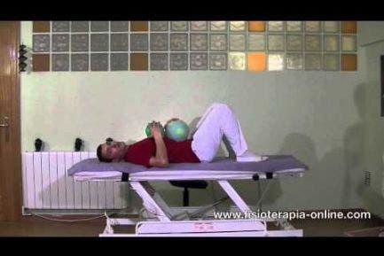 Ejercicio de relajación sacro-craneal con pelotas de espuma