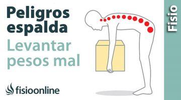 Peligros para la espalda al agacharte mal - Cómo coger pesos bien