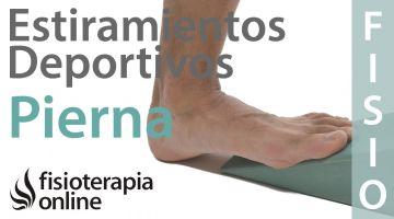 Estiramientos deportivos para relajar los músculos de la zona posterior de la pierna