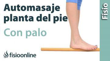 4.Auto - masaje del pie con palo de madera