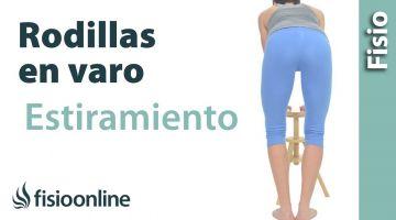 30.Auto-estiramiento para el varo de rodilla o rodillas en paréntesis.