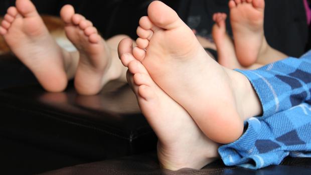ejercicios para fortalecer los pies y prevenir y solucionar los dolores