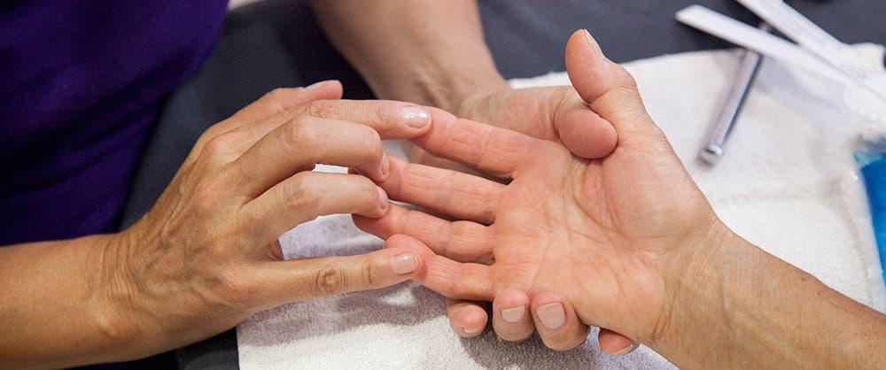 Rehabilitación post-quirúrgica de dedo en gatillo